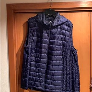 32 degrees puffer vest with hood